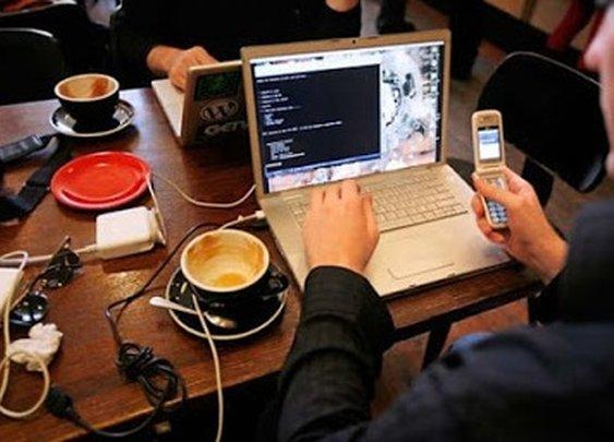 Weekend breakfasts in coffee shops