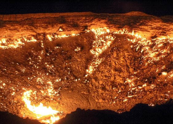 This Hellish Desert Pit Has Been On Fire for More Than 40 Years