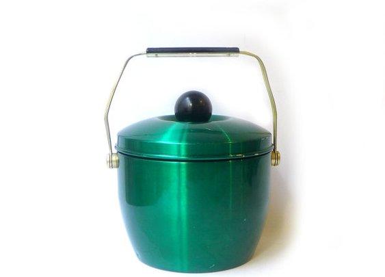 Vintage mid century green adonised aluminium insulated by evaelena
