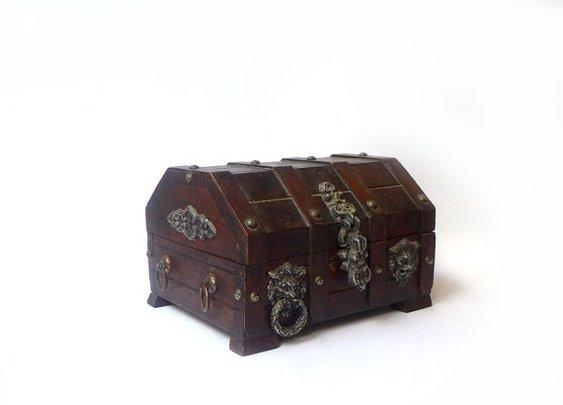 Vintage mid century pirate treasure chest trinket box by evaelena