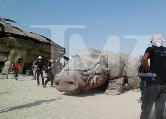 Star Wars Episode VII Set Pics Show Off Creatures, Sets and Extras | TechnoBuffalo