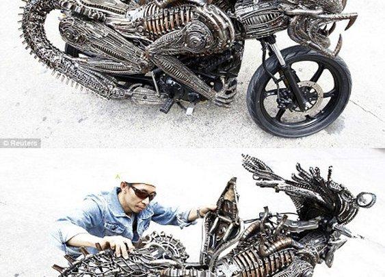 Homemade 'Alien' Scrap Metal Motorcycle