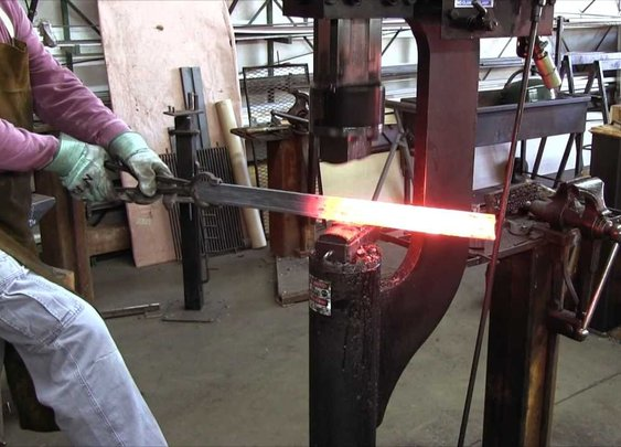 The Serpent in the Sword: Forging a Viking-age Sword - YouTube
