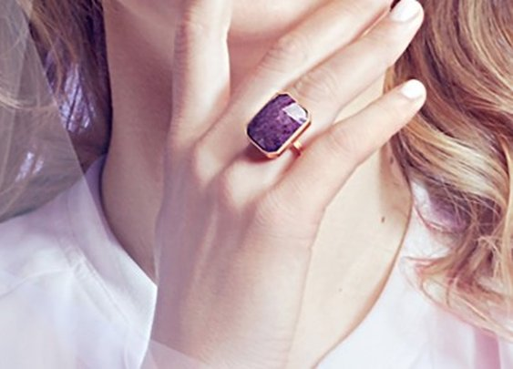 Ringly smart ring will buzz women's fingers later this year