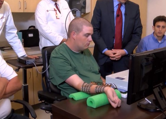 Brain implant restores control of paralyzed muscles