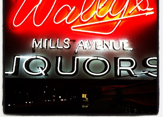 Wally's: One of Orlando's Oldest Dive Bars