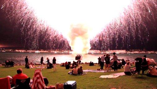 7,000 Fireworks Go Off At Once