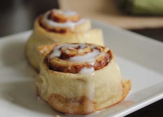 Budweiser Sourdough Cinnamon Rolls - rotio/food