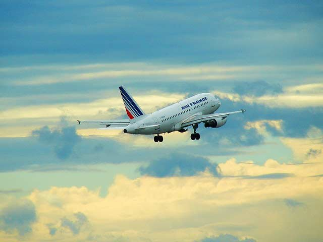 10 Ways to Increase Your Odds of Surviving a Plane Crash | Info You Should Know