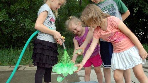 Bunch O Balloons fills water bombs in bulk