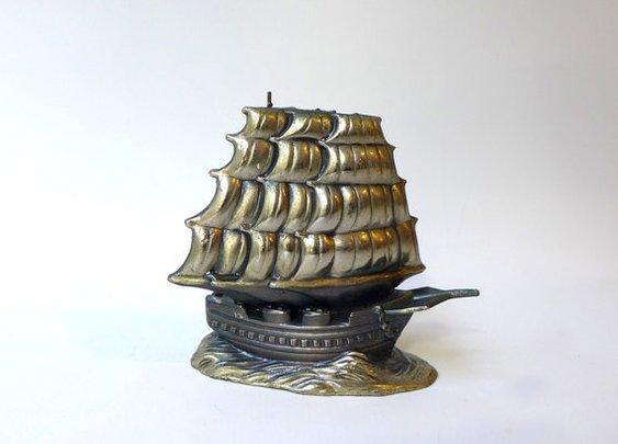 Vintage mid century brass galleon pirate ship figurine by evaelena