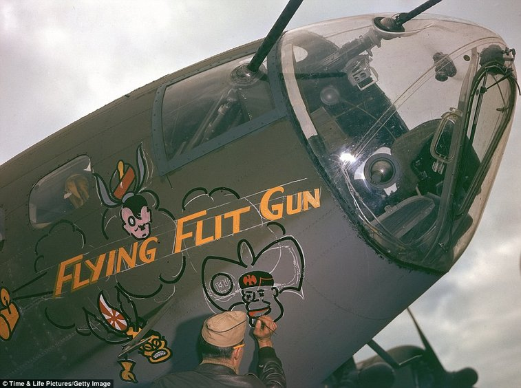 WWII in color: Rare photos of  Flying Fortress bombers