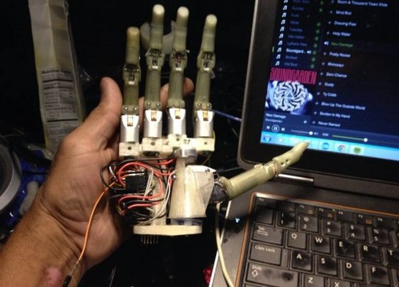 Engineer designs DIY bionic hand for boy he met in an elevator