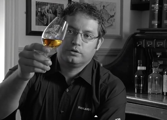 Whisky Tasting Like the Experts Do