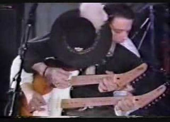 "STEVIE RAY & JIMMY VAUGHAN ""PIPELINE"" ON A DOUBLE NECK! - YouTube"