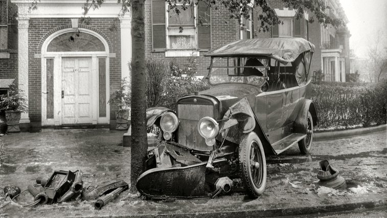 Crash Photos From The Beginning Of Motoring Are Stunningly Beautiful
