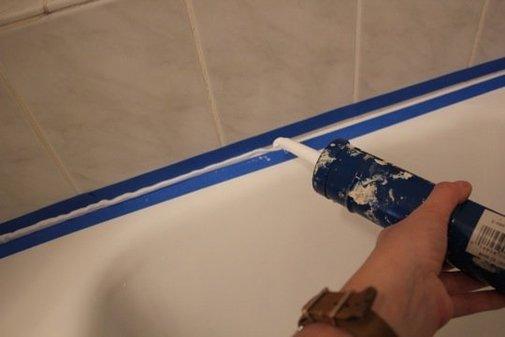 How To Recaulk A Bathtub » iSeeiDoiMake