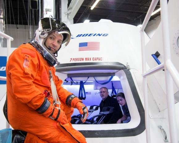 Boeing to sell rides on NASA's 'Space Taxi'