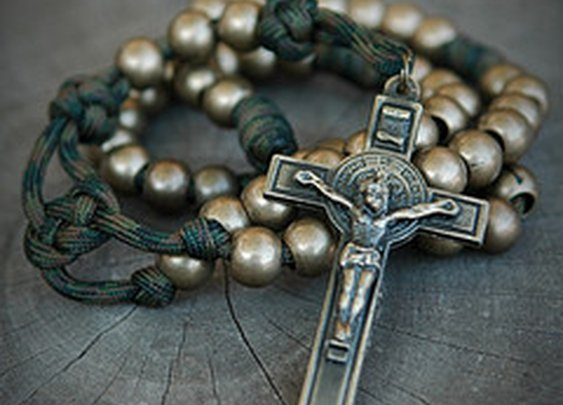 Soldier's Camo Paracord Rosary  @ RuggedRosaries.com