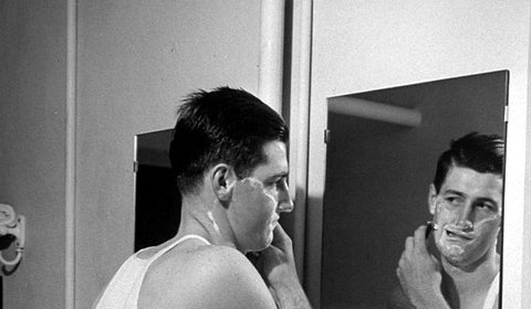 7 Mistakes New Wet Shavers Make | The Art of Manliness