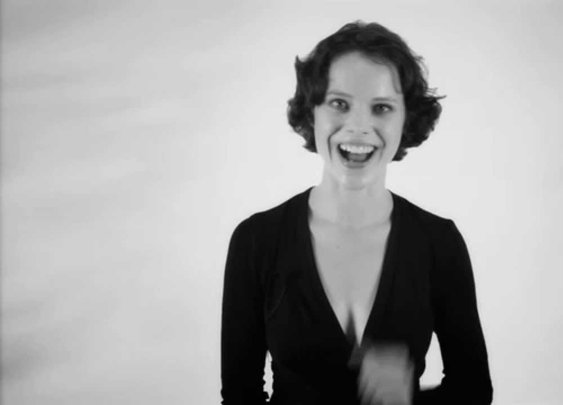 Polyphonic Overtone Singing - Anna-Maria Hefele - YouTube