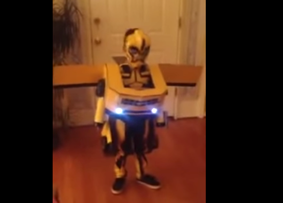 "This Kid's Unreal ""Transformers"" Costume Actually Transforms"
