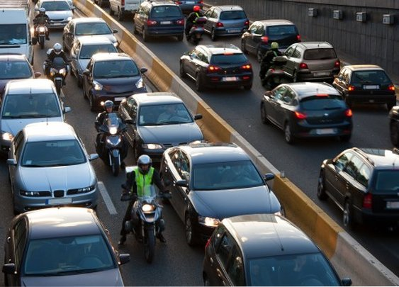 Motorcycle lane splitting: Better for riders, better for drivers