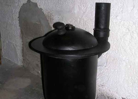 How To Build A Wood Burner Pot Belly Stove. Made From a Gas Tank - LivingGreenAndFrugally.com