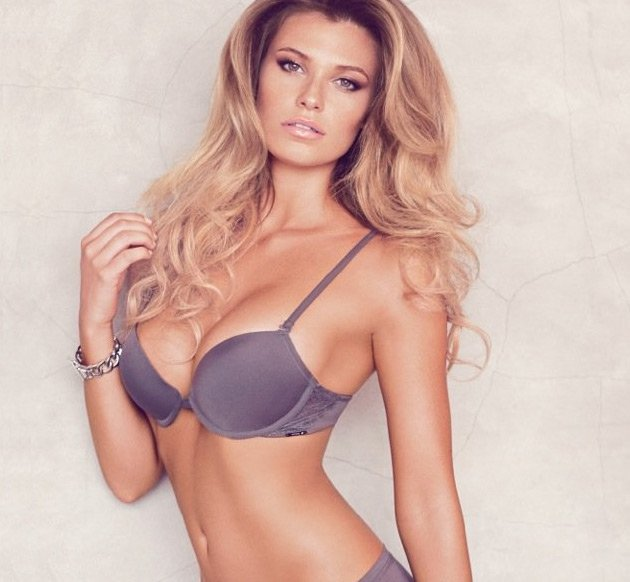 Minx: Samantha Hoopes