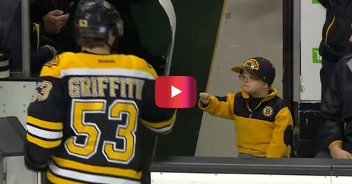 Watch this young hockey fan's priceless reaction as he gets to fist-bump all the Boston Bruins players | Rare
