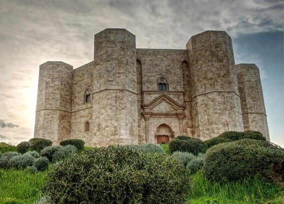 Top 10 best medieval castles to visit in Southern Italy - Swide