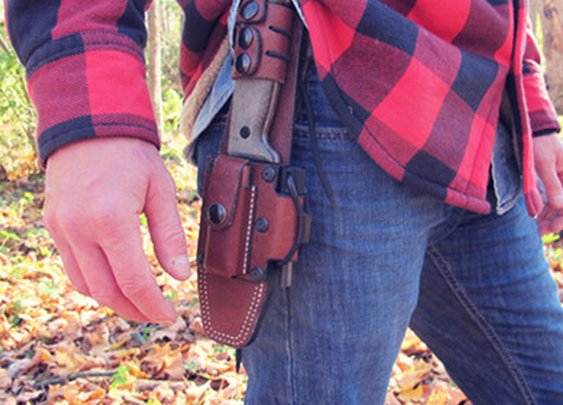 How to Choose the Perfect Survival Knife: 6 Features to Look For