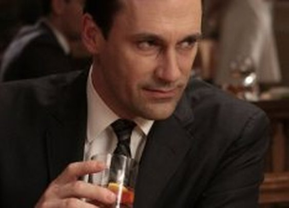 17 Alcoholic Beverages Made Famous By Movie & TV Characters