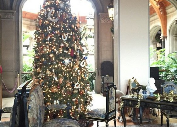 America's Largest Home for the Holidays: Biltmore Estate #IGTT on Stress-Free Baby