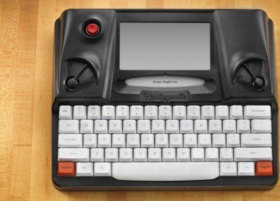 Hemingwrite digital typewriter looks to let you write in peace