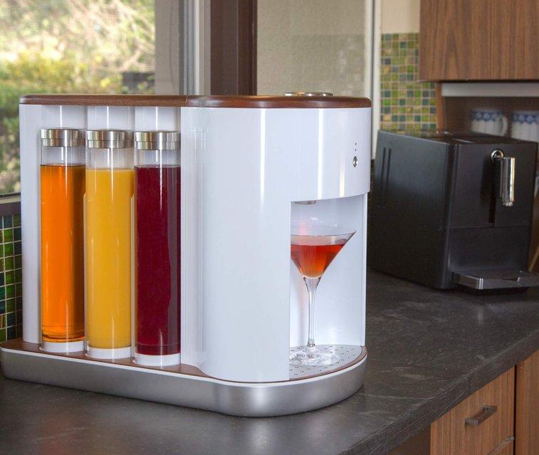 Craft Custom Cocktails With The Somabar Robotic Bartender - Supercompressor.com