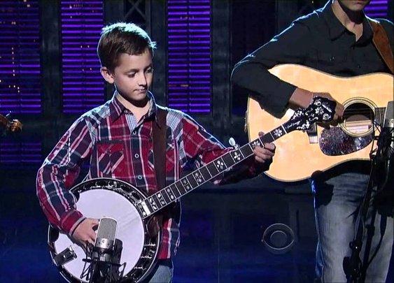 9-Year-Old Plays Banjo - Sleepy Man Banjo Boys