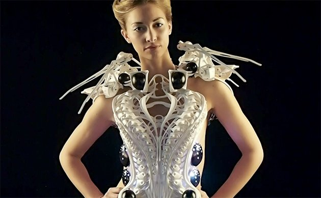 Innovative Robo-Spider Dress Isn't Scary. It's Awesome.