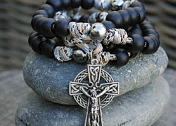 Glendalough Celtic Paracord Rosary – CordBands