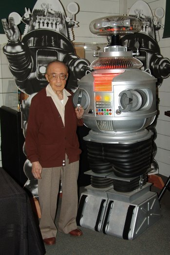 Robert Kinoshita, Robot Designer for 'Forbidden Planet' and 'Lost in Space,' Dies at 100  - The Hollywood Reporter