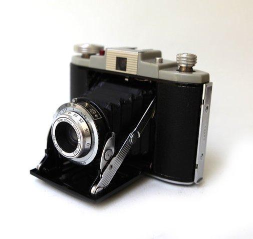 Vintage 1950s Kodak 66 Model II fold out camera by evaelena