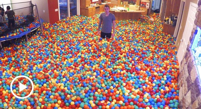 Cool Dad Throws Massive Ball Pit Party While Wife Is Away - Digg