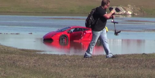 These Guys Drove a 2,000-Horsepower Lamborghini Into a Lake - Popular Mechanics