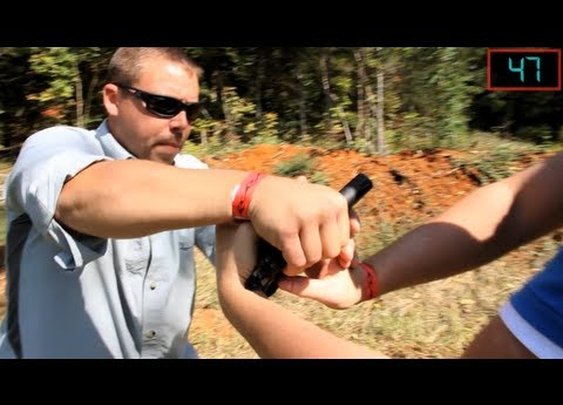 This 1 Minute Disarming Video Could Save Your Life