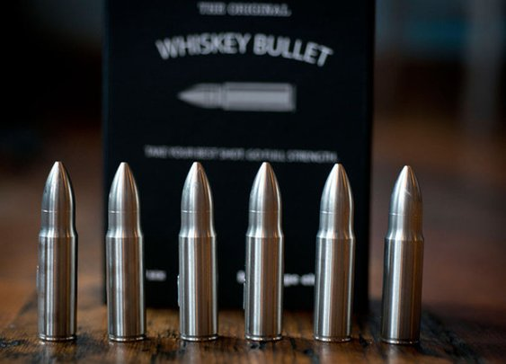 Whiskey Bullets made of stainless steel that chill your drink without diluting – SipDark
