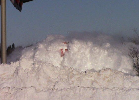 EPIC CATCH!!! Dashing Thru the Snow - CN Train 406 West at Salisbury, NB (Feb 3, 2015) - YouTube