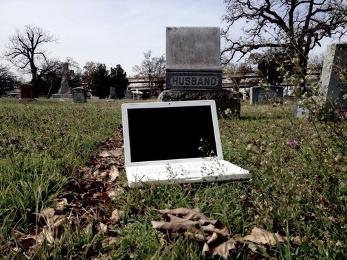 Haunted 2007 Apple MacBook for sale on eBay