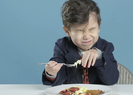 American kids react to breakfast foods from around the world