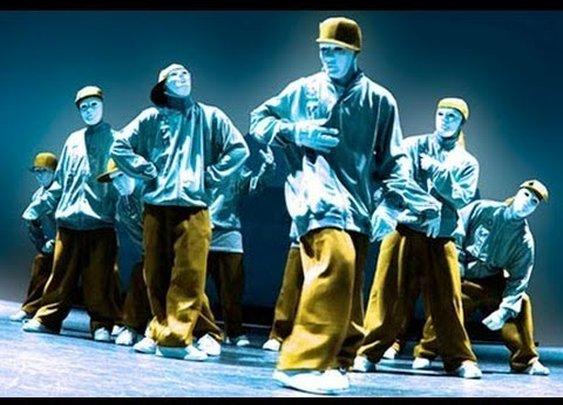 Jabbawockeez Performance 2013 HipHop Battle America. - YouTube