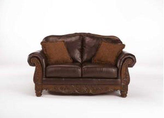 2260335 in by Ashley Furniture in Orange, CA - Loveseat